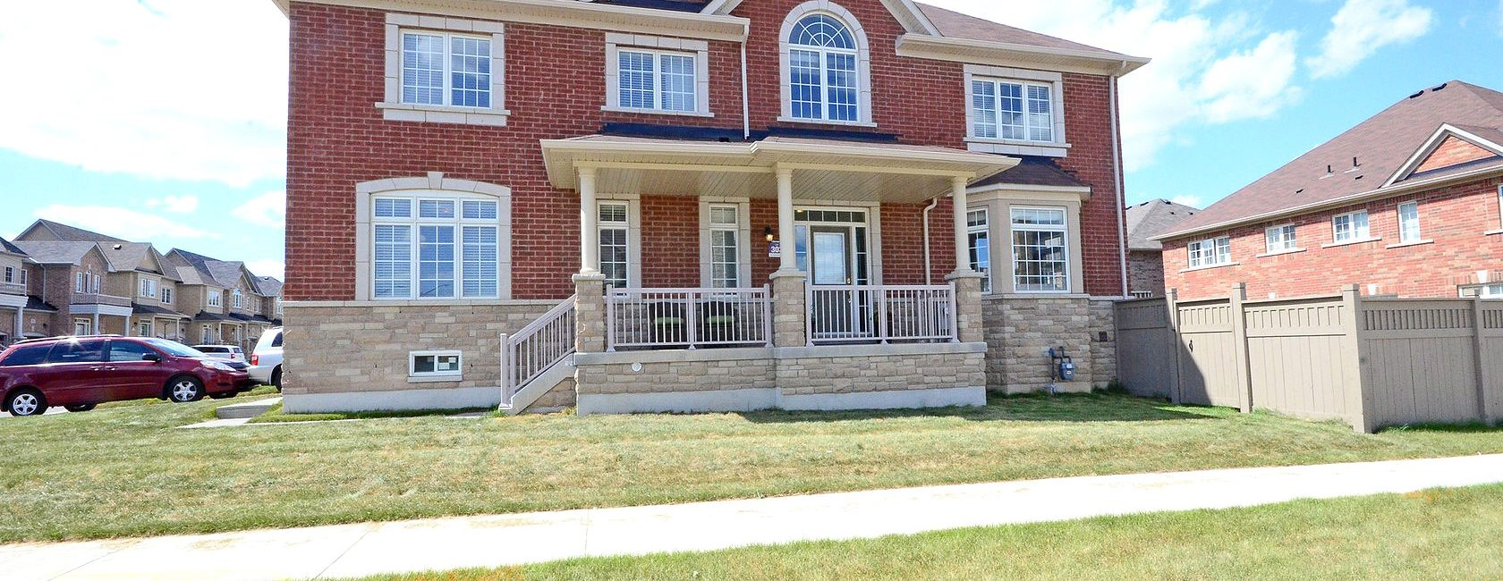 Four Bedroom House in Central Mississauga