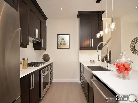 Three Bedroom Townhouse In Square One Downtown Mississauga .