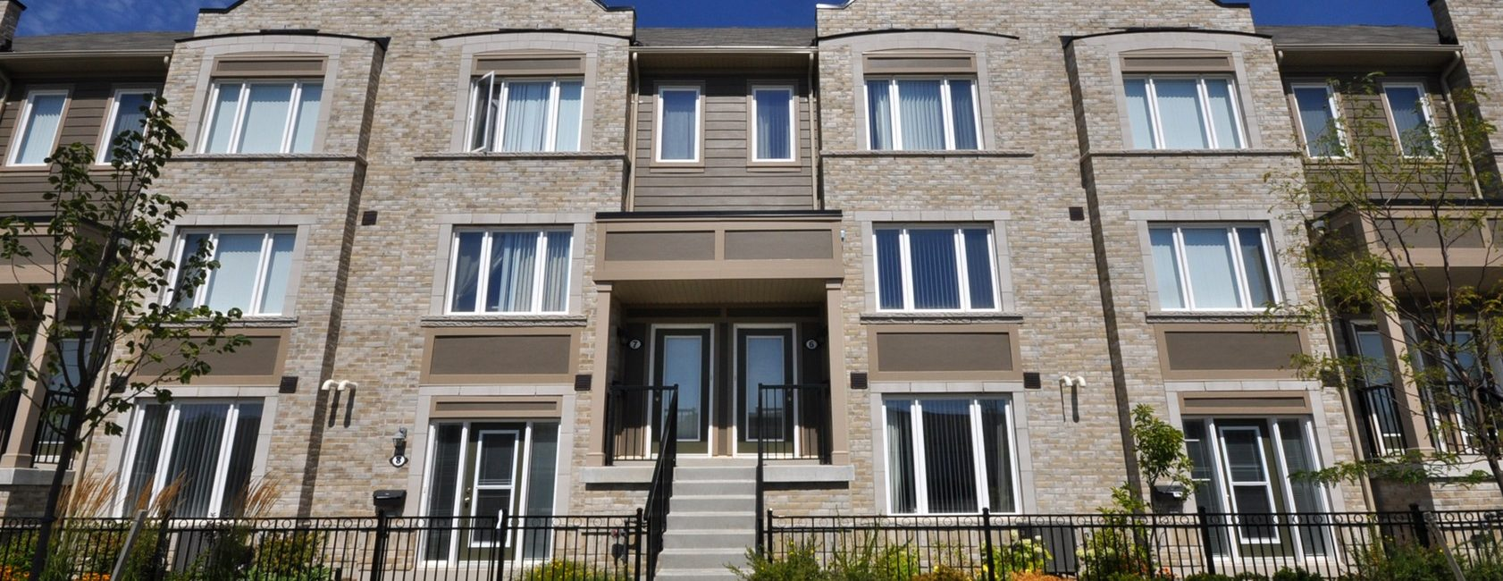 Three Bedroom Townhouse in Central Mississauga